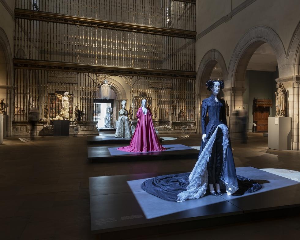 Elizabeth Diller S Studio Designs Heavenly Bodies Exhibition At The Metropolitan Museum Of Art Princeton University School Of Architecture