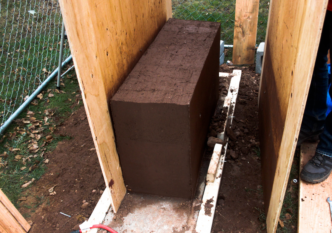 Rammed earth wall made with Aaron Katz '16 from CEE (Photo: Pelin Asa).