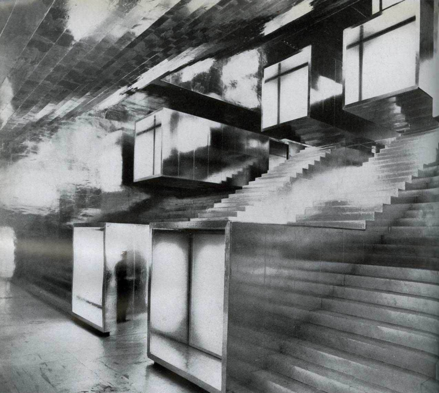 "XIII Triennale of Milan (1964) dedicated to ""Leisure."" The photograph illustrates Il Barnum centrale a quattro percorsi (The Central Barnum with Four Paths), from L'Architettura: cronache e storia 109 (November 1963), 442."