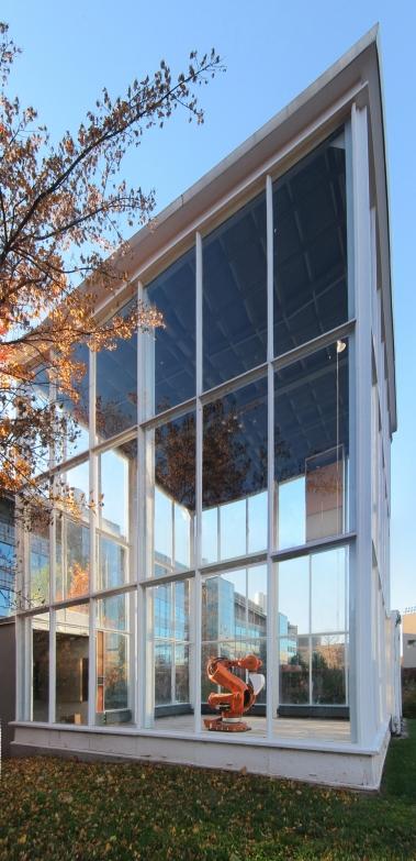 Labatut Glass cube